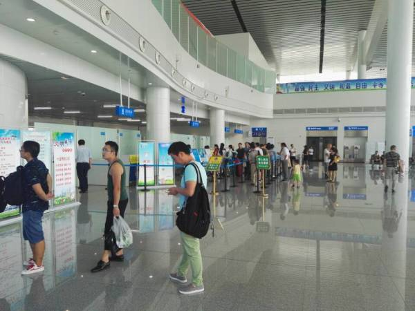 航班信息:武当山机场因天气原因1航班取消