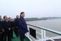 习近平在荆州登船,顺江而下考察长江