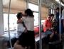 重庆轨道3号线一女子情绪失控 撕咬男乘客后脱光衣物