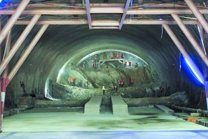 十堰生態濱江新區至武當山一級公路建成這樣了