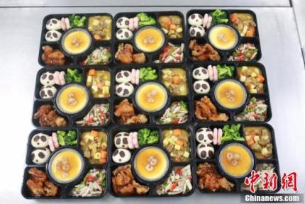 """动车盒饭这样""""出锅"""""""