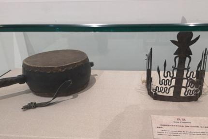东巴文化展在十堰市博物馆开展