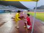 足球与爱情完美契合 十堰小伙球场上演浪漫求婚
