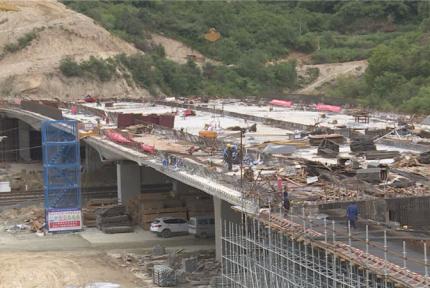 汉十高铁十堰北站跨铁路立交桥主体工程完工