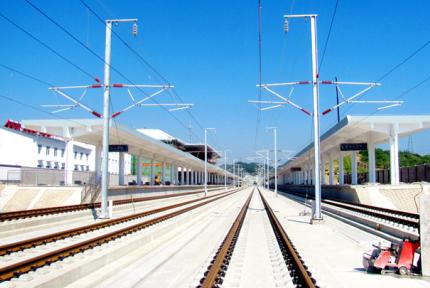 汉十高铁武当山西站站房主体工程竣工