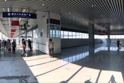 十堰火车站南、北广场人行天桥今天投入使用