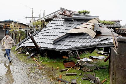 强台风席卷日本百余人死伤失踪 创下多个