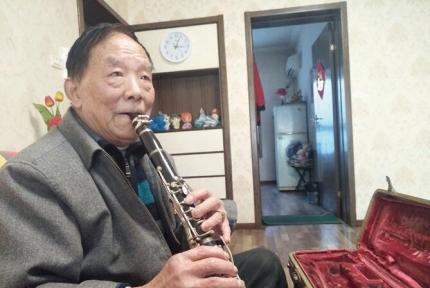 十堰80岁退伍老兵丁智能当了9年军乐手 见过13次毛主席