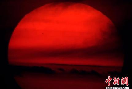 """""""水星凌日""""奇观上演"""