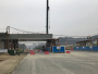 江苏路延长线跨火箭路立交桥最大钢箱梁完成吊装