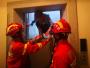 驚險!電梯突然停降,按鍵全部失靈,十堰消防緊急救援