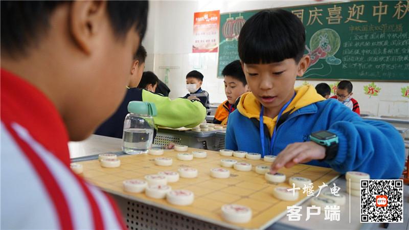 《【杏耀app娱乐】年龄最小的仅4岁!十堰青少年象棋、围棋锦标赛开赛》