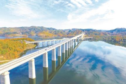 汉十高铁通车一周年:新兴鄂西北产业走廊